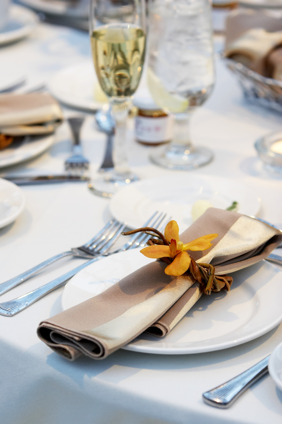 Crisp Autumn place Setting.jpg